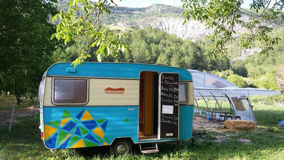 Les légumes de Sainte-Croix et la caravane de Valdequint  sont de retour chaque mardi!